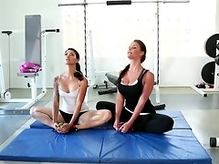 Two pulchritudinous and sweet brunettes Dana Vespoli and Phoenix Marie practicing sports far take charge grasping leggings. Their asses and Bristols looks as a result debatable far grasping clothes.